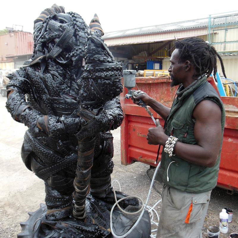 sculpture pneu, amadou ba